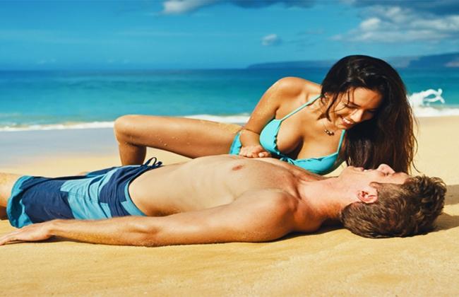 Πως να ρίξεις άντρα της ζωής σου στην παραλία.