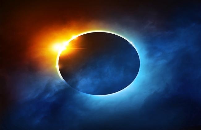Ηλιακή έκλειψη στους Διδύμους στις 10 Ιουνίου 2021. Προβλέψεις για τα ζώδια.
