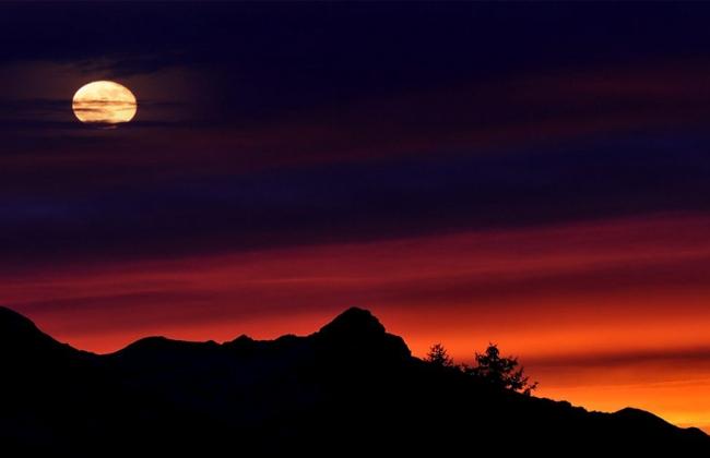 Η Σεληνιακή Έκλειψη στον Αιγόκερω στις 5 Ιουλίου 2020.