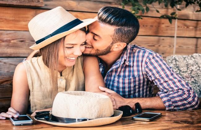 Ποια είναι η ιδανική γυναίκα για έναν άντρα, ανάλογα με το ζώδιό του;